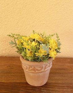 florero-pequeno-ceramica-flores-amarillas